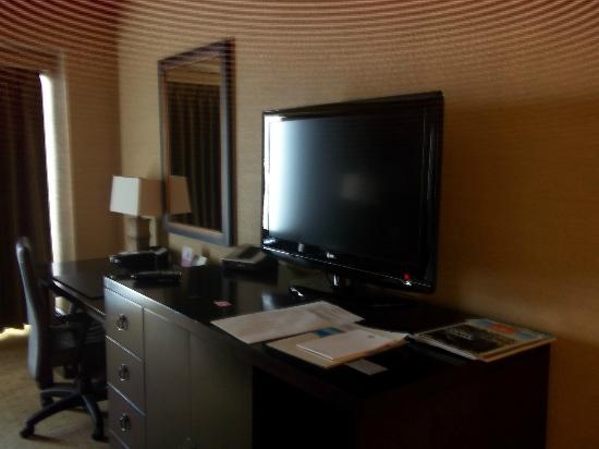 Hyatt Regency Bellevue: tv