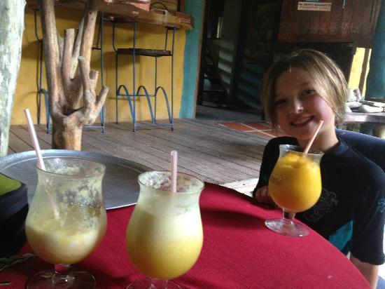 Cafe Coyote: Delicious batidos!