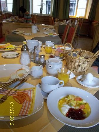 Hotel Gasthof Stift : 朝食はたっぷりのビュッフェ