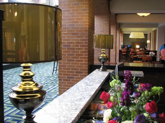 Sheraton Philadelphia Society Hill Hotel: Atrium