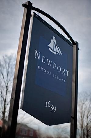 ‪Newport Tour & Guide‬