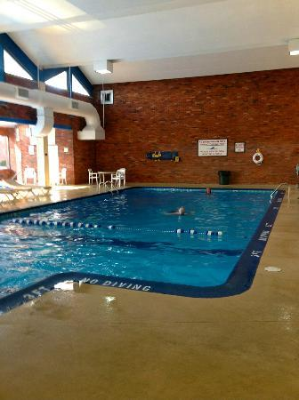 BEST WESTERN Valley Plaza Inn: Indoor pool