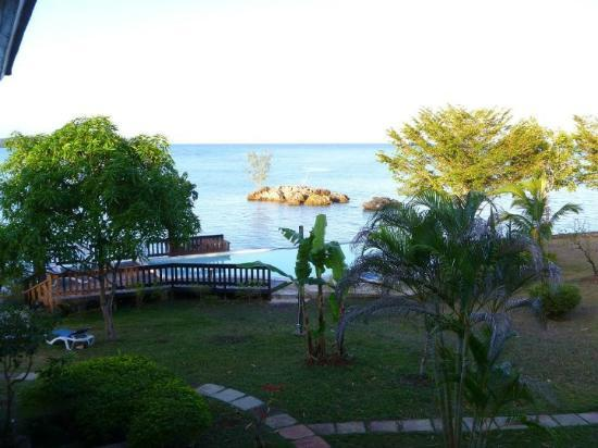 Rhodes Beach Resort Negril: view from our room