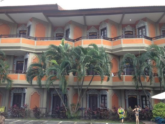 Adi Dharma Hotel: petites terrasses