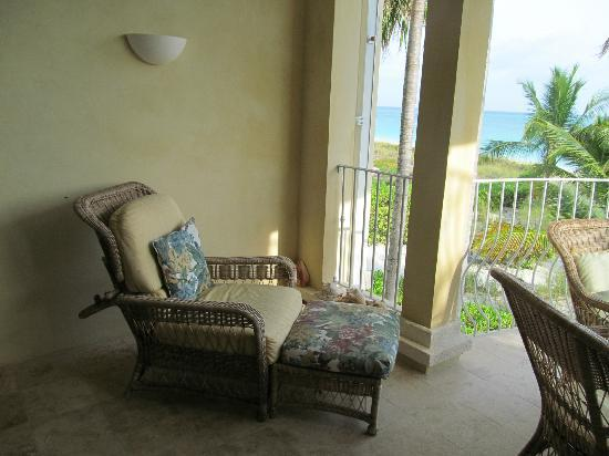 Villa Renaissance: Wonderful, comfy furnishings for relaxing on the balcony