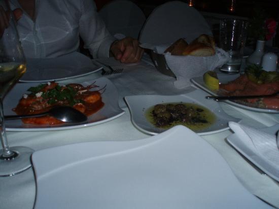Magna Grecia Boutique Hotel: Platos de entrada en la primera cena
