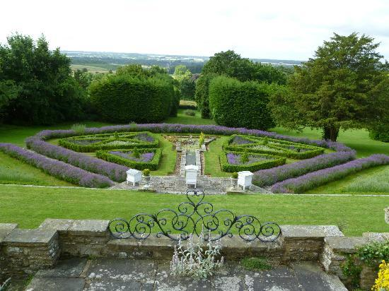 Thurnham Keep Country House B&B: Magnificent grounds...