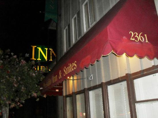 Presidio Inn & Suites: La entrada del hotel, también tuvo sus mejores épocas!!!!