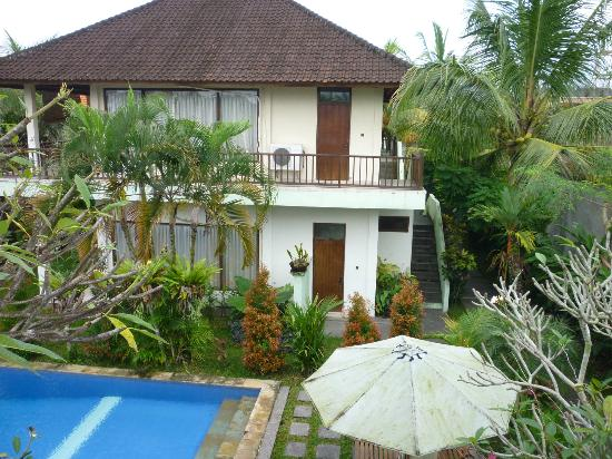 Putri Ayu Cottages: July 2012