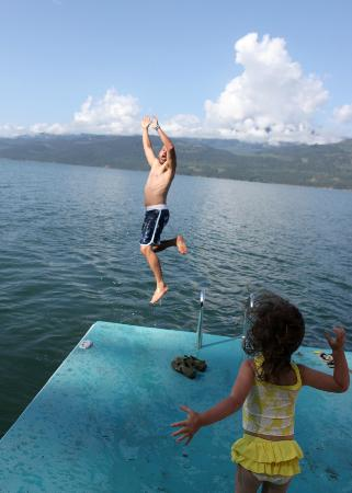 Nakusp, Канада: Early morning swim in the lake
