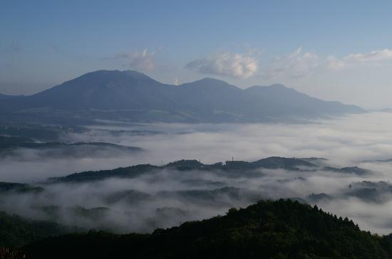 Mt. Hiruzen: 雲海の蒜山三座