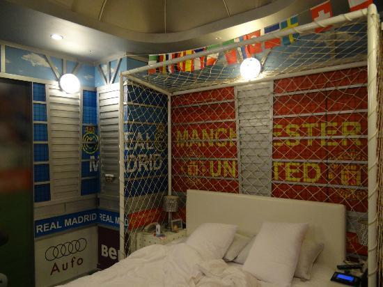 Sato Castle Motel: Manchester Soccer Room