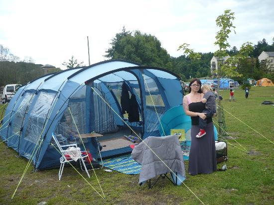 Hidden Valley Holiday Park Adventure Tours: camping in hidden valley :)