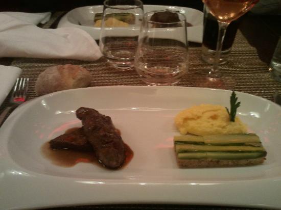 Pi ce de boeuf black angus asperges vertes et polenta - Restaurant la table du fort marseille ...