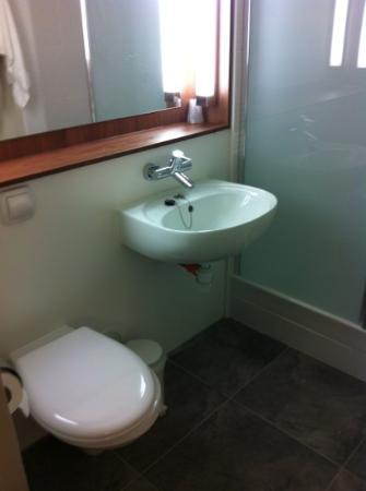 Campanile Meaux: salle de bain