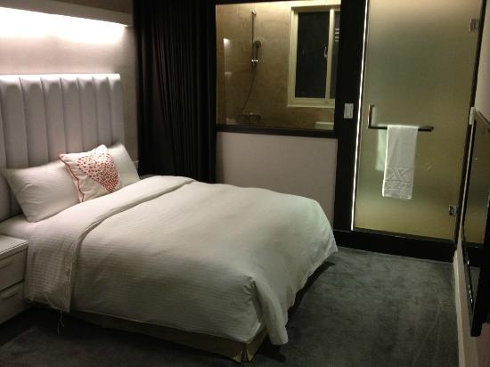 Via Hotel: New room with good facilities