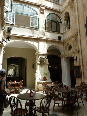 Cafe Manoel
