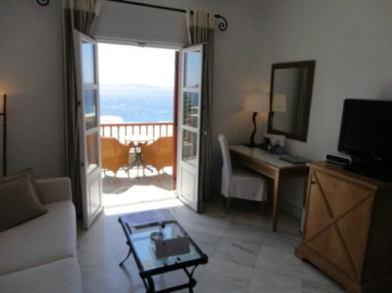 Mykonos Grand Hotel & Resort: in the superior room