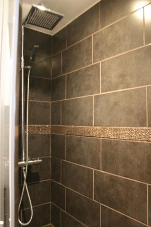 Atelier Montparnasse : shower