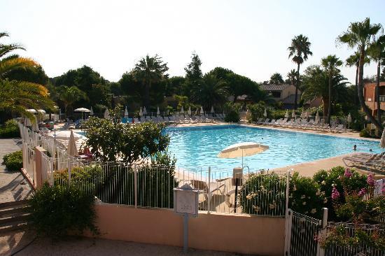 Pierre & Vacances Premium Residence Cannes Mandelieu : Swimming Pool