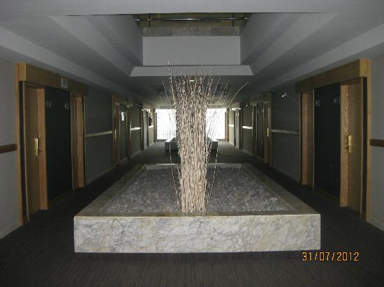 Protur Sa Coma Playa Hotel & Spa: pasillo habitaciones planta baja
