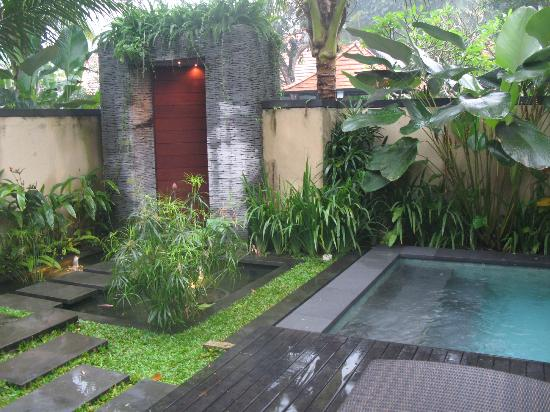 Bayad Ubud Bali Villa: private entrance into the two bedroom villa
