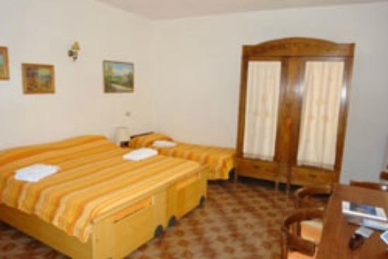 Cannicchio, Italie : The Yellow Room
