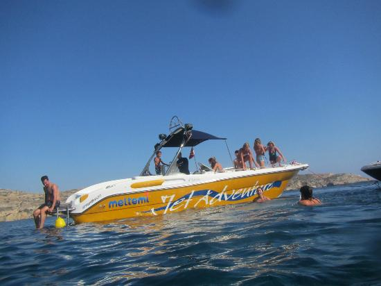 Meltemi Watersports: Jumping off the boat to go cave swimming