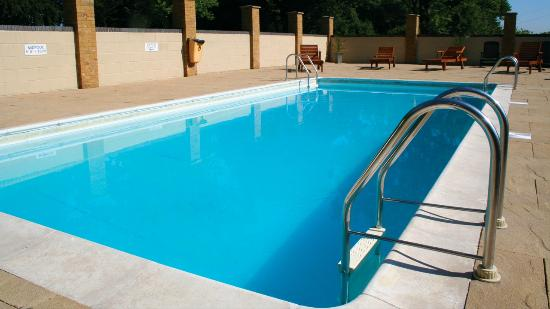 Thriftwood Holiday Park: outdoor pool