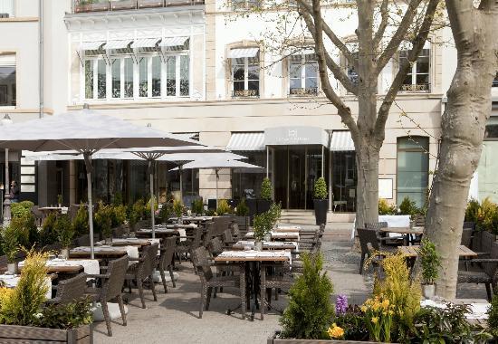 Le Place d'Armes Hotel: Terrasses de l'hôtel le Place d'Armes