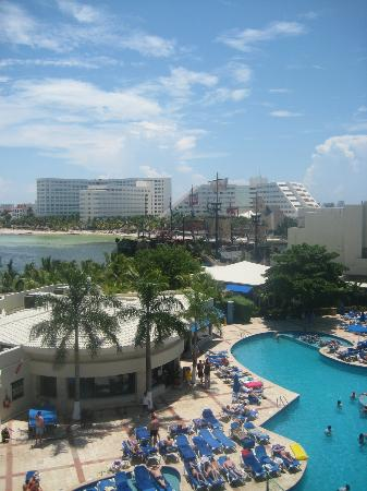 Barcelo Costa Cancun: View from 5th floor room