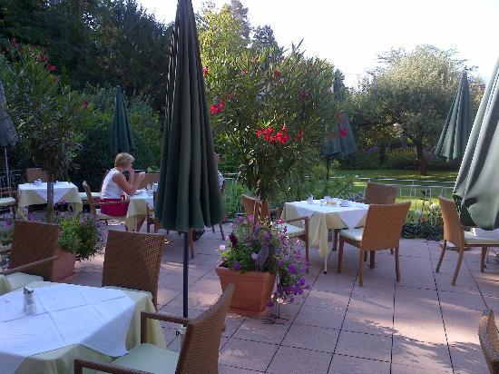Hotel Garni Rosanna: terrazza per le colazioni