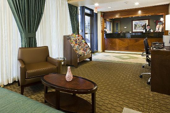 BEST WESTERN University Hotel Boston-Brighton: Newly decorated lobby