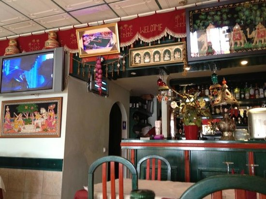 Lakhsmi Indian Restaurant : Bar view