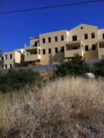 Santa Catherina Hotel: the front of the accommodation that Thomson doesnt show