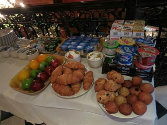 The French Quarters Guest Apartments: breakfast buffet