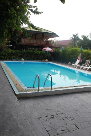 KAMALA BEACH INN: avoid the pool
