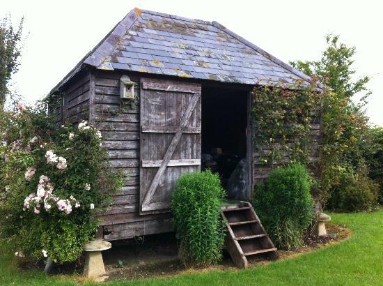 Carents Farm: beautiful garden shed