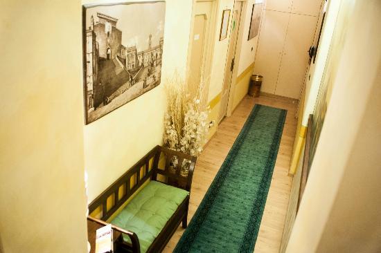 Almes B&B: Hallway