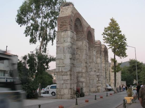 Hotel Bella: Aqueduct