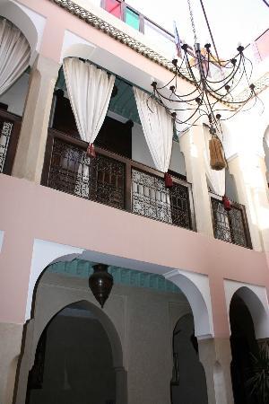 Hôtel Riad Fantasia : courtyard