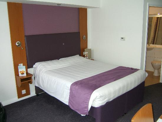Premier Inn Lincoln (Canwick) Hotel: Comfy bed.