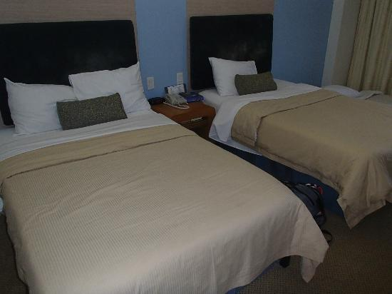Fiesta Resort & Spa Saipan: Two double beds