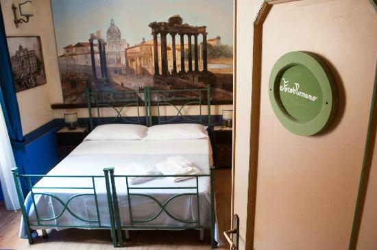 Almes B&B: Foro Romano double/triple or quadriple room