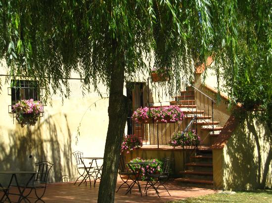 Casolare di Libbiano: A Home in the Country
