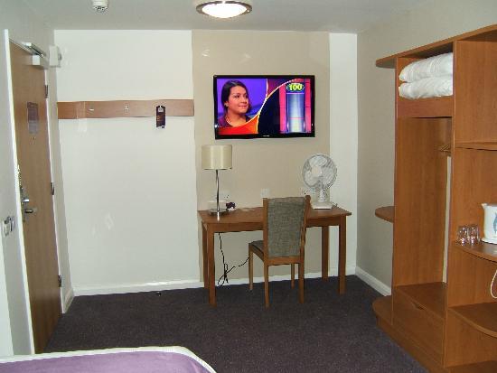 Premier Inn Boston Hotel: Television and writing desk.