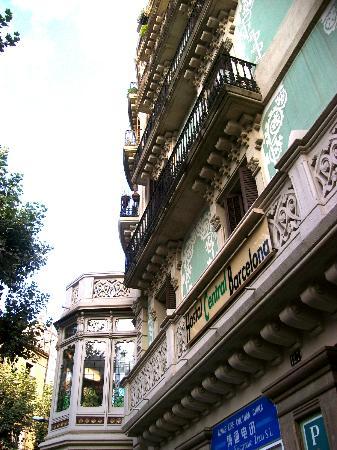 Hostalin Barcelona: Palazzo dell'Ostello