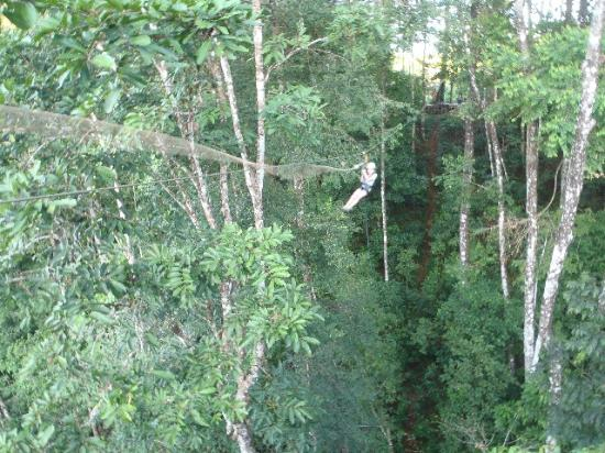 El Remanso Lodge: zip line ride