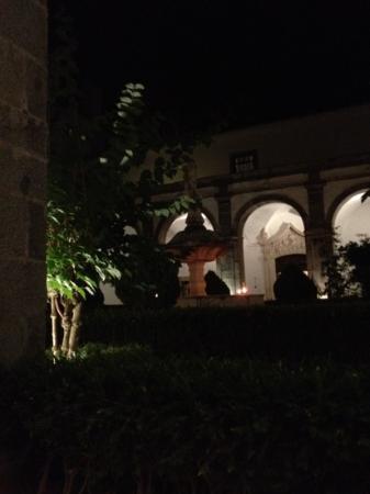 Hotel Convento de Sao Paulo: By night