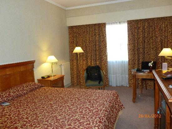 Austral Plaza Hotel: habitacion